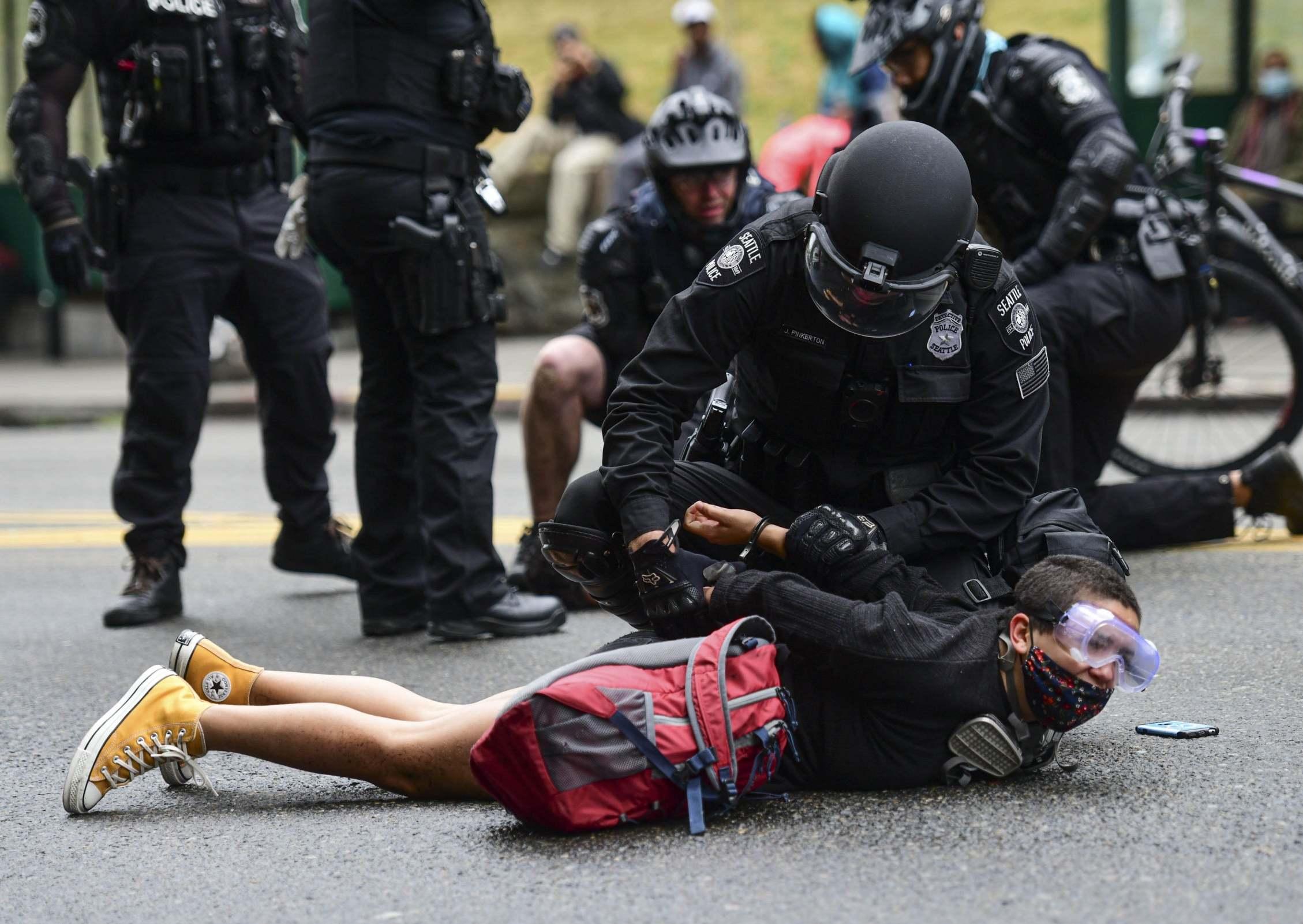 Anonymous #JournalismIsNotACrime (Video)